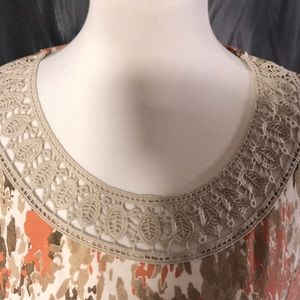 Dana Buchman Tops - Multi earth tone colored top with lace trim